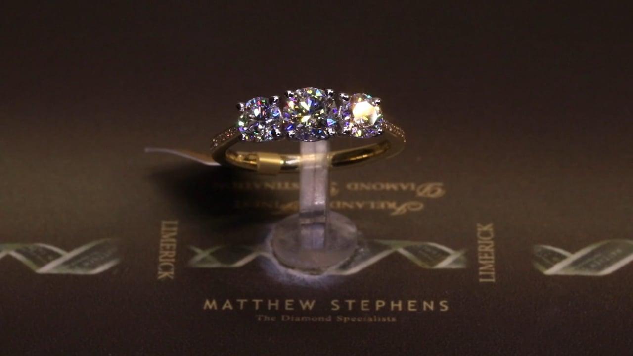 75108 - Three Stone Round Brilliant, T1.62ct, Set in 18ct Yellow Gold
