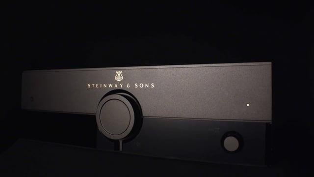 Steinway & Sons P100
