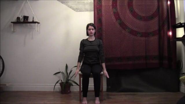 Yoga sur chaise 4 : Stabilité du tronc
