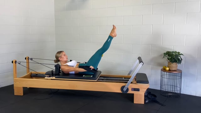 Express reformer ab workout with dumbbells