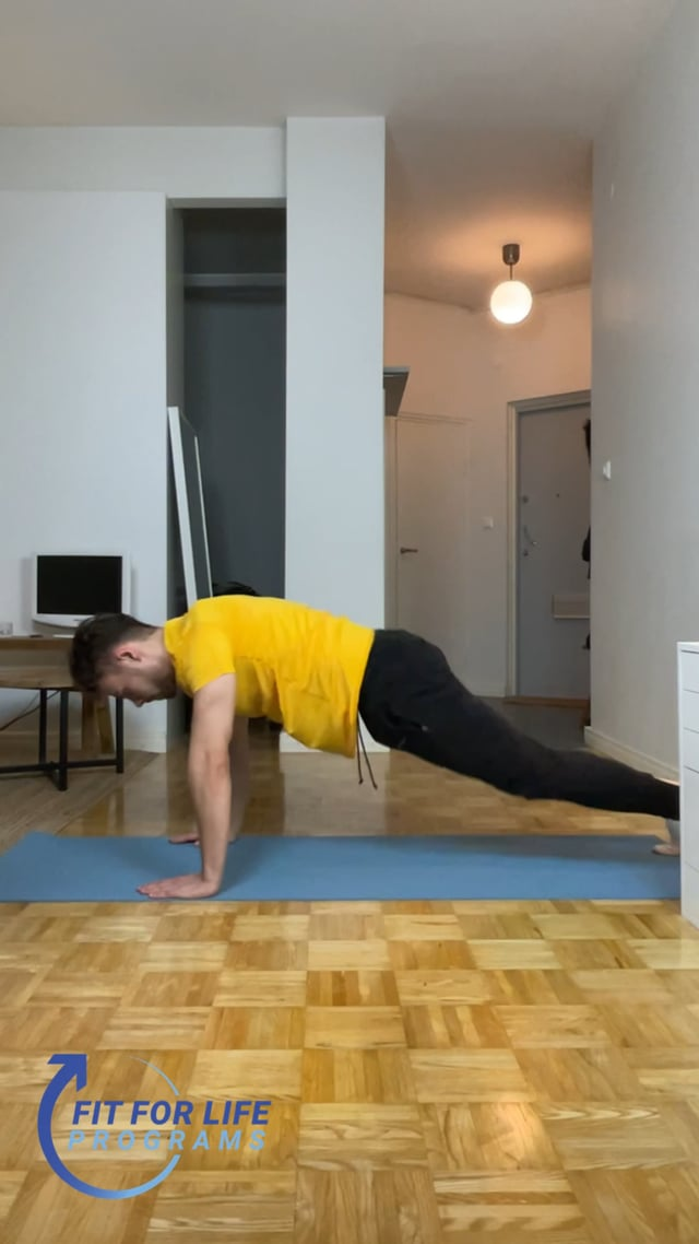 Jumping Plank Crunch