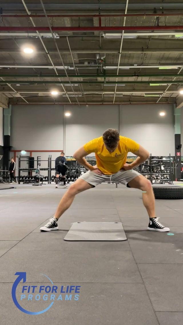 Dynamic Stretching, inner thighs