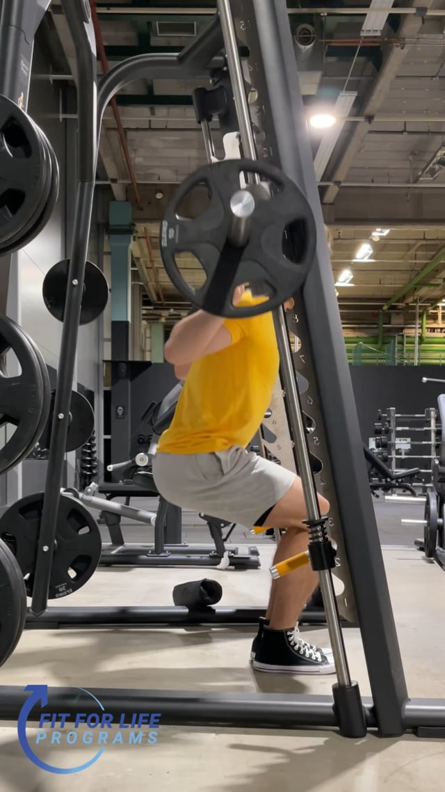Smith Machine Squat, close stance
