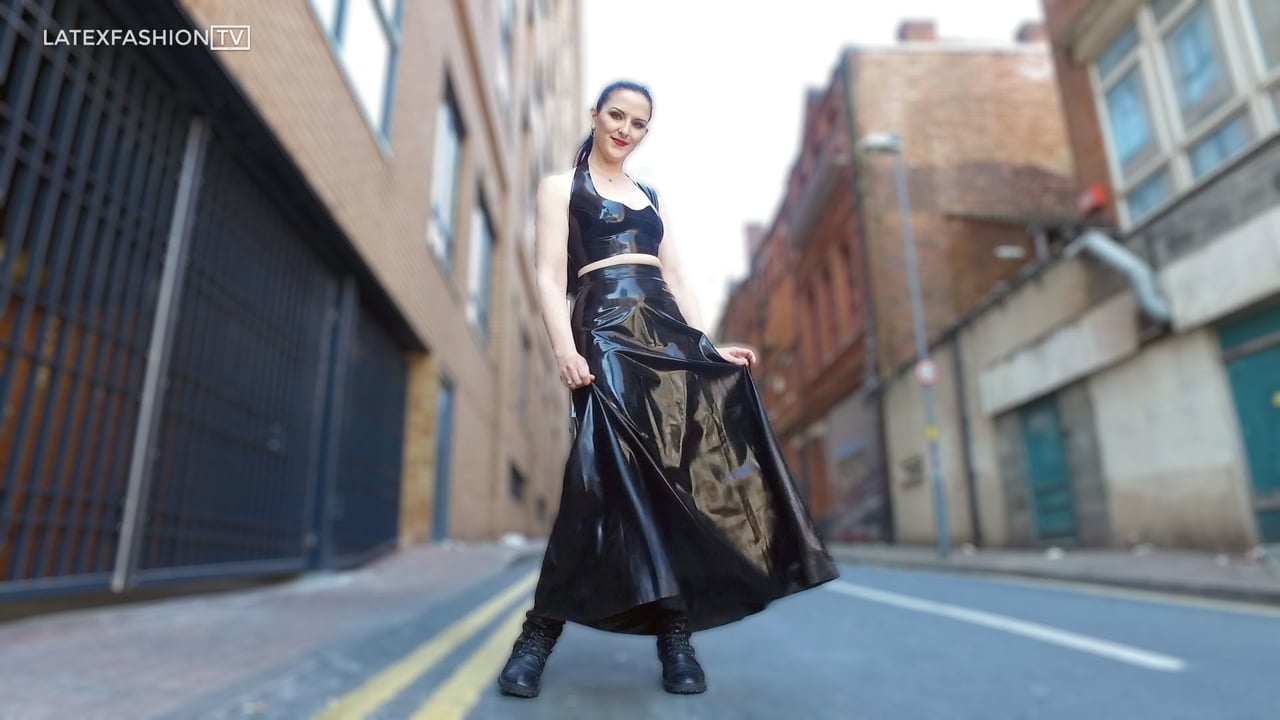 Caroline Pierce Walking in Latex | LatexFashionTV