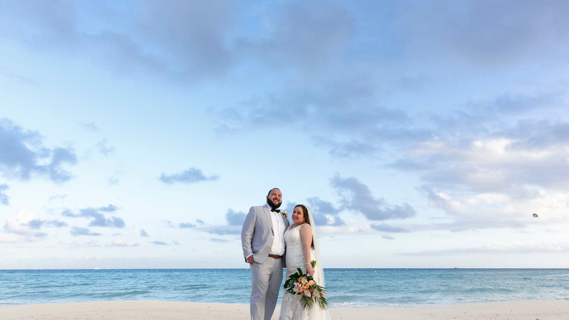 Sandos Playacar Wedding Film. Maria & Eisac