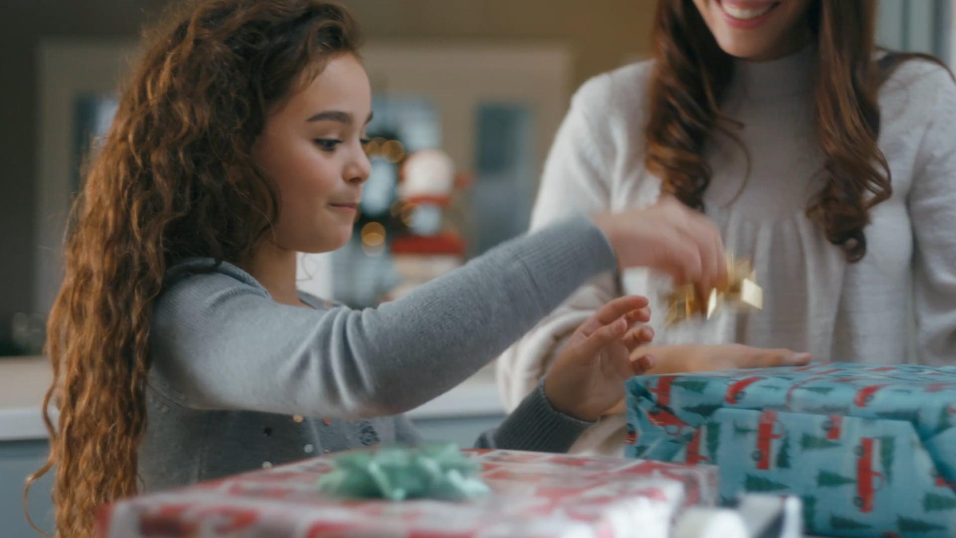 HULU x KOHL'S Christmas Spot