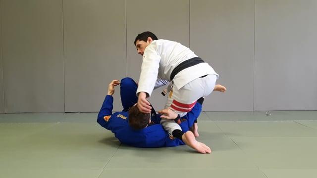 Passage en long step quand l'adversaire tente de passer en x guard ou en deep