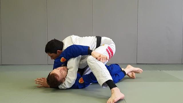 Passage en knee slide quand l'adversaire tente de passer en x guard ou en deep