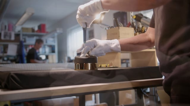Achter de schermen Steinway & Sons Remote Control