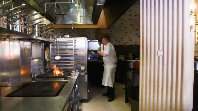 Hells kitchen - making of dish.mp4