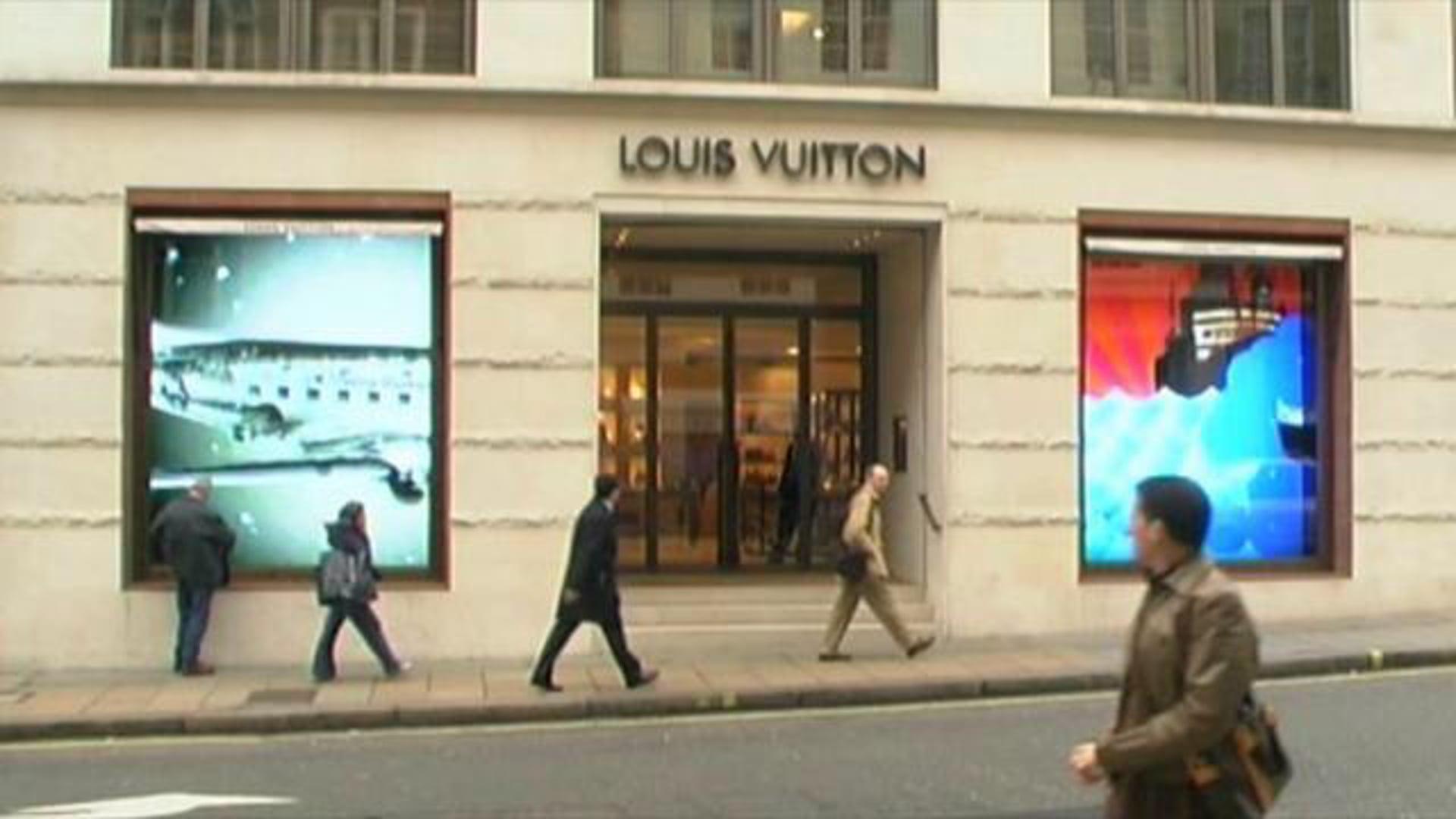 Louis Vuitton - British Vogue Tribute