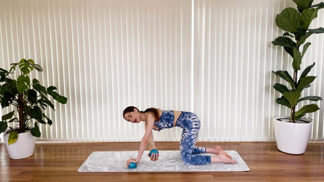 Sculpt and move with the toning balls