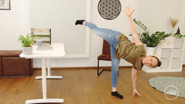 Office-Sonnengruss #04 Halbmond