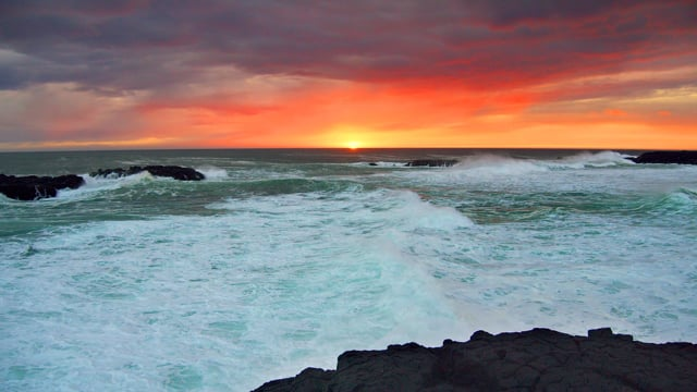 Astonishing Sunset over the Shores of Iceland - 4K HDR Relax Video