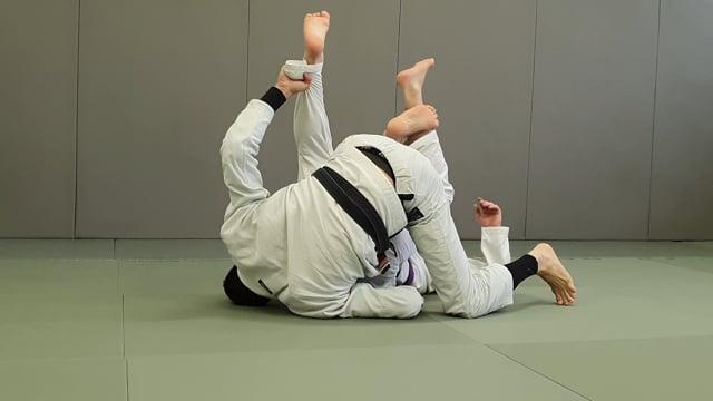 Berimbolo vers leg drag et prise de dos avec crochet