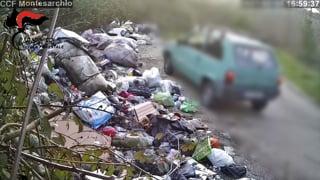 lancio-di-sacchetti-e-rifiuti-abbandonati-blitz-forestale