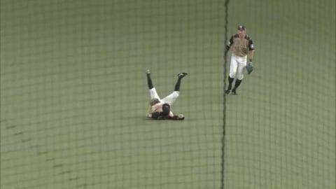 【4回裏】ファイターズ・淺間 スライディングキャッチでヒットを阻止!! 2021/4/13 L-F