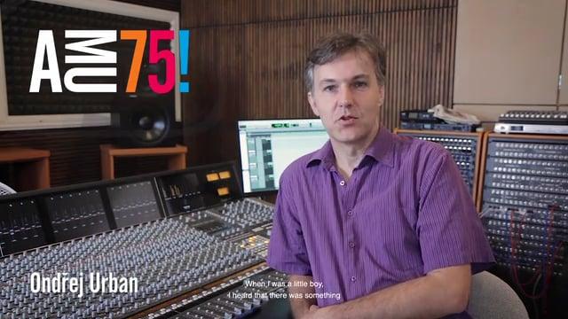 """""""Hodně inspirace do dalších let."""" – to AMU přeje zvukový a hudební režisér, skladatel, klavírista, pedagog a vedoucí Zvukového studia HAMU Ondřej Urban."""