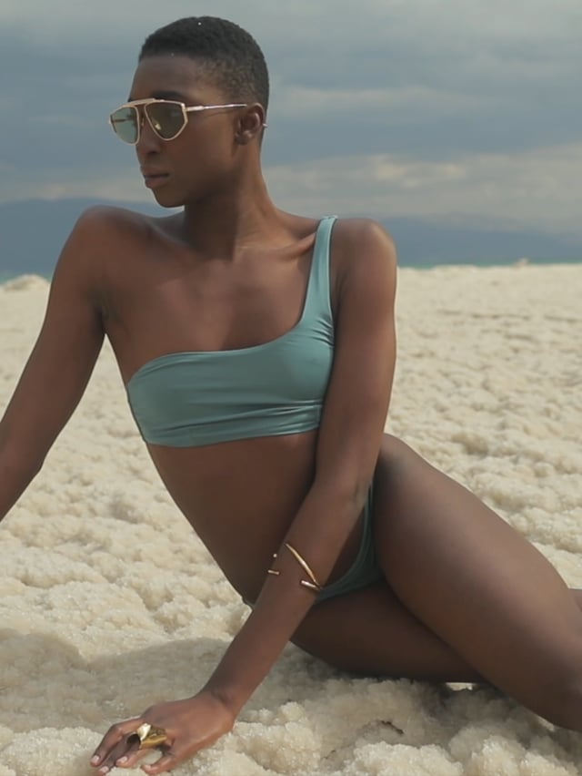 גוזיית בגד ים א-סימטרית SUMMER SHINE בצבע סלדין
