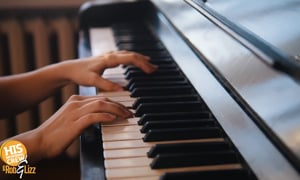 Lizz has always wanted to play the piano and she's ready to take lessons!