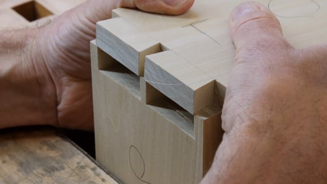 05-How to Hand-cut Through Dovetails
