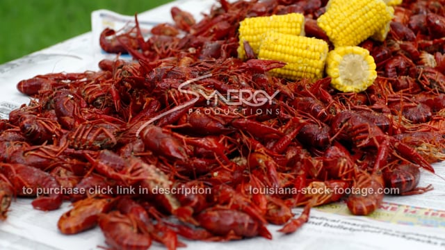 253B boiled crawfish with corn and potatoes