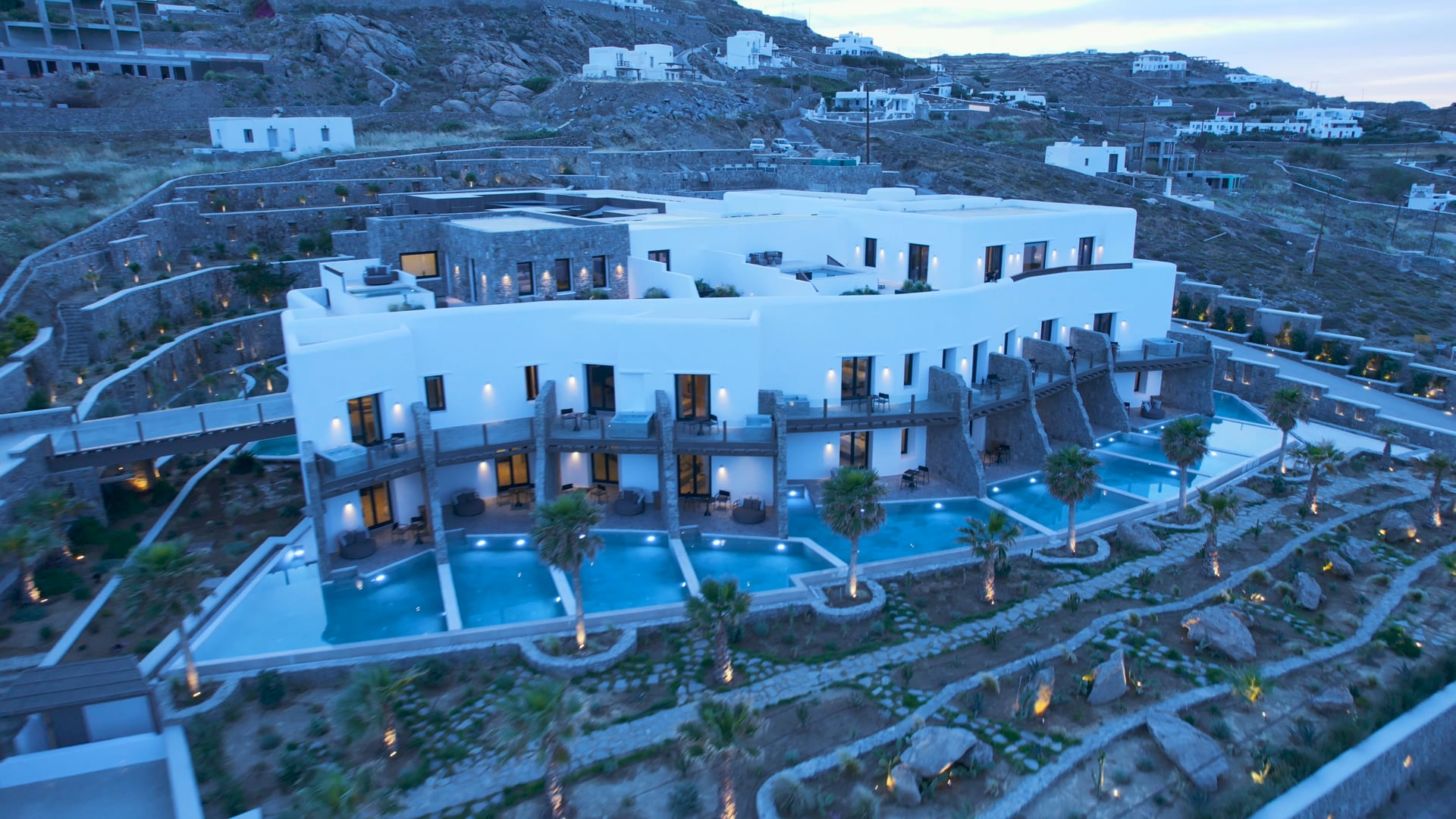 Aeonic Suites ans Spa Mykonos_In_Outdoors