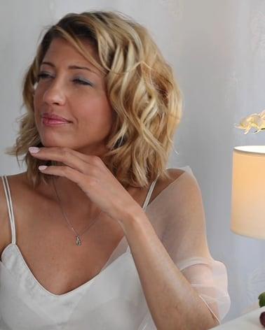 Vídeo: Collar Colgante de Oro 14K Esmeralda y Diamantes Cadena Oro incluida