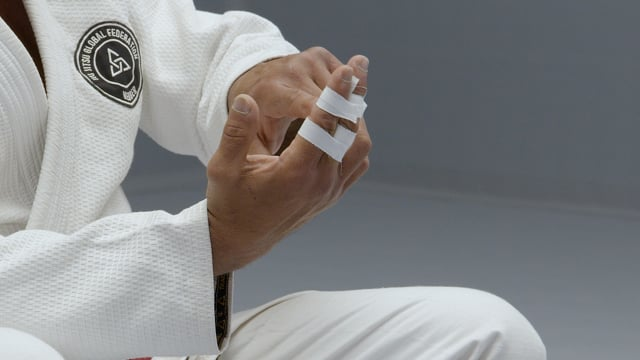 How to tape and ice your injuries – part 2