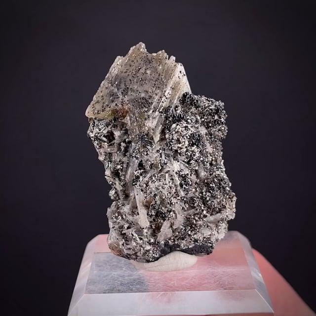 Alamosite with Kegelite (type locality) and Melanotekite