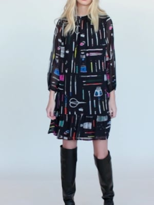Vídeo: LINA DRESS BLACK MAKE ART PRINT