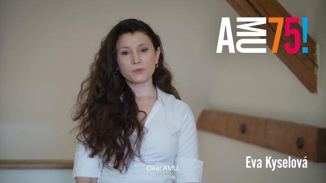 Eva Kyselová působí na DAMU již od roku 2009, kdy nastoupila do doktorského programu na Katedře teorie a kritiky. Během těch let se zde stala interní pedagožkou, začala externě vyučovat na Katedře produkce a později také na FAMU. Mimo to se věnuje divadelní kritice.