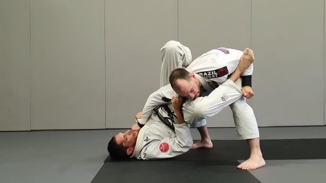 Triangle à partir de la garde col manche
