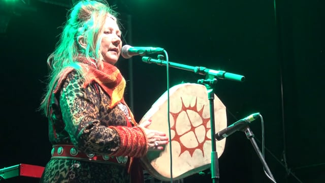 2 – Mari Boine performing Gula gula with her band on the stage of Ijahis Idja festival
