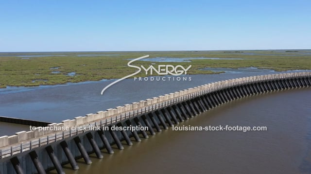 2821 New Orleans Hurricane protection wall storm surge barrier