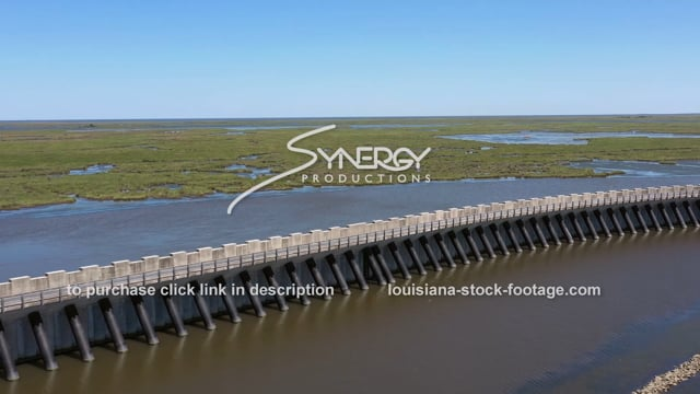 2826 New Orleans flood protection system hurricane surge barrier