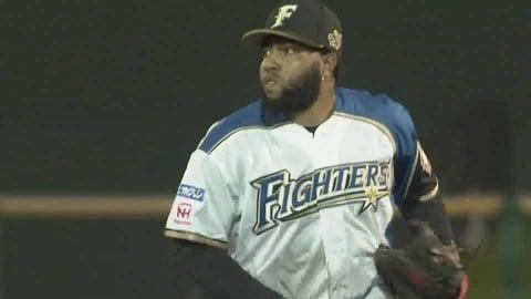 【8回表】ファイターズ・R.ロドリゲス 鋭い打球に飛びつき打者をアウトに!! 2021/7/4 F-H