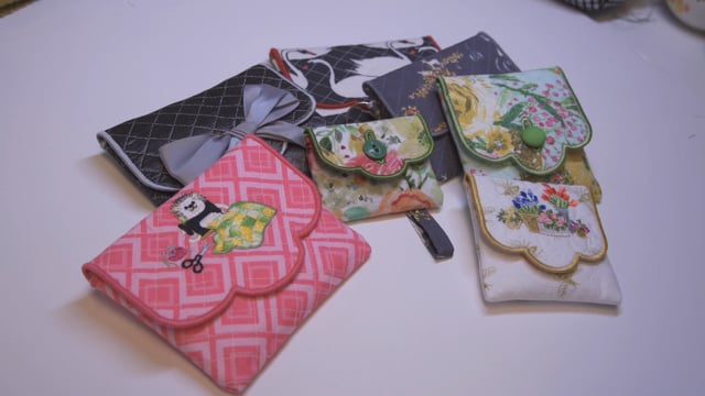 All Buttoned Up – Button Pouch Project