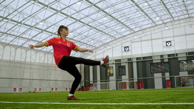 Football Tricks | The V Move