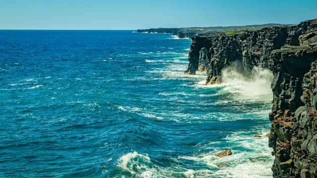 Holei Sea Arch, Volcanoes National Park, Hawaii - 4K Relaxation Video with Ocean Waves Sounds
