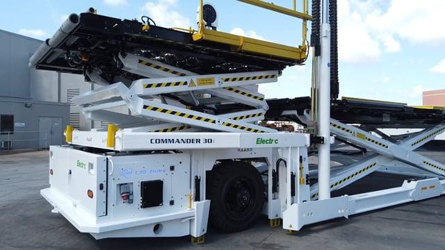 Commander 30i Electric Cargo Loader