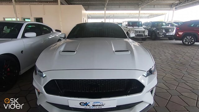 FORD MUSTANG 5.0 - WHITE...