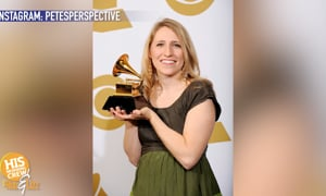Laura Story had her celebrate dinner, DURING the Grammy's!