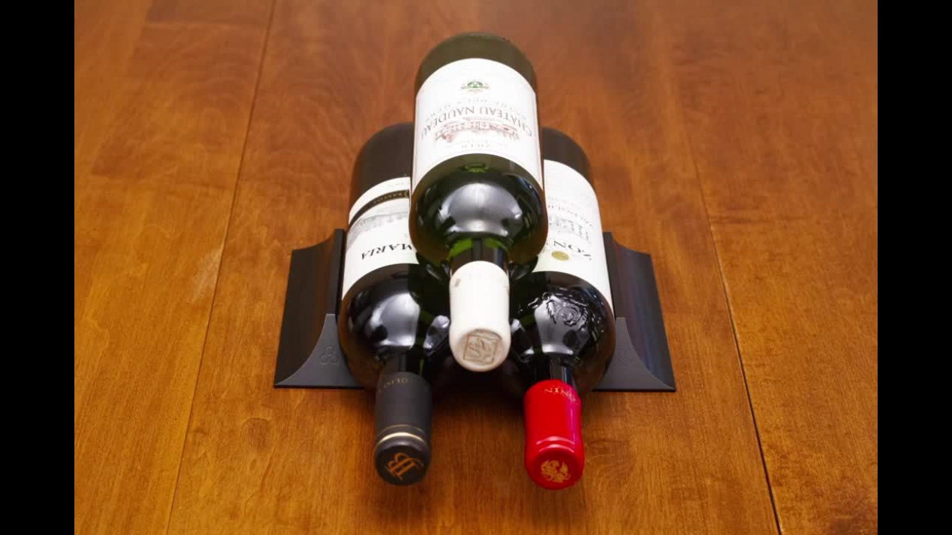 Winebars, Black