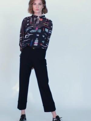 Vídeo: VELMA BLACK MAKE ART PRINT SHIRT
