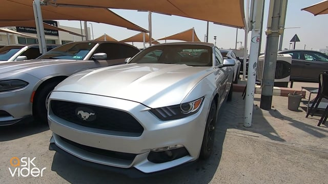 FORD MUSTANG - SILVER - 2...