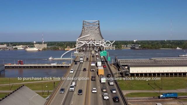 2984 Baton Rouge commuter traffic jam video