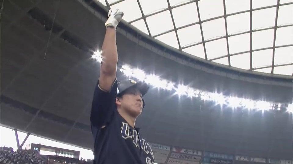 野球の華といえば、球場が一気に盛り上がるホームラン!! パ・リーグの誇る強打者から、まさかの伏兵による一発まで、ホームランシーンを振り返りたい方はこちらから!!