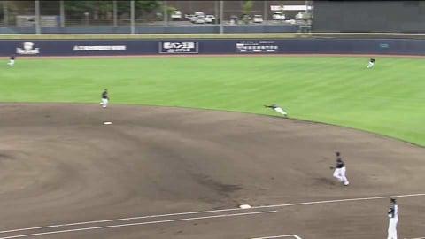 【ファーム】ここしかないタイミングで飛び込んだ!! マリーンズ・西巻 鋭い打球をダイビングキャッチ!! 2021/9/14 F-M(ファーム)