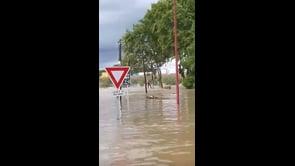 Alluvione in Francia, persone bloccate dall'acqua salvate in elicottero